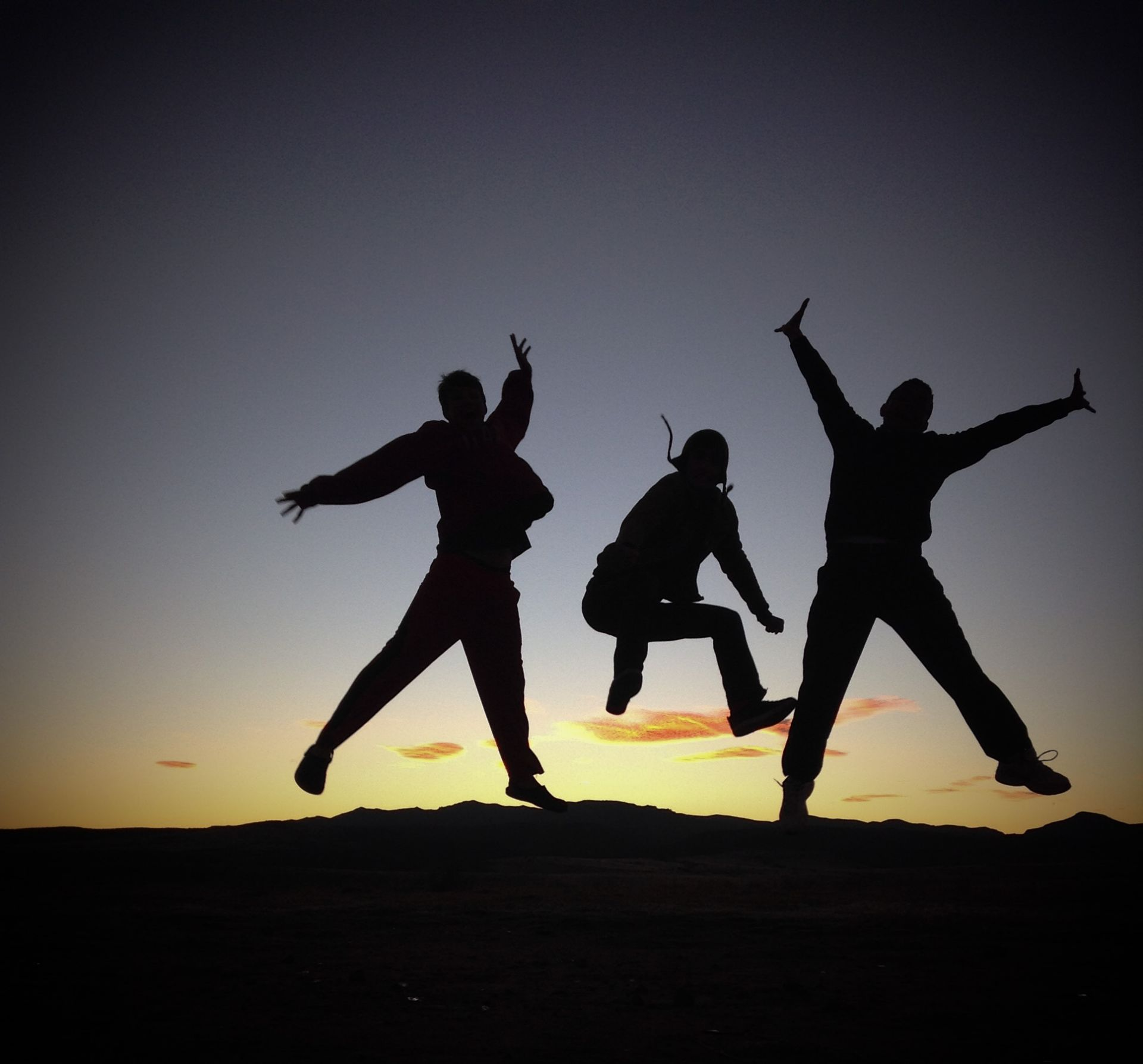 friendship, friend, skip, jump, jumping, to become night, sunset, silhouette