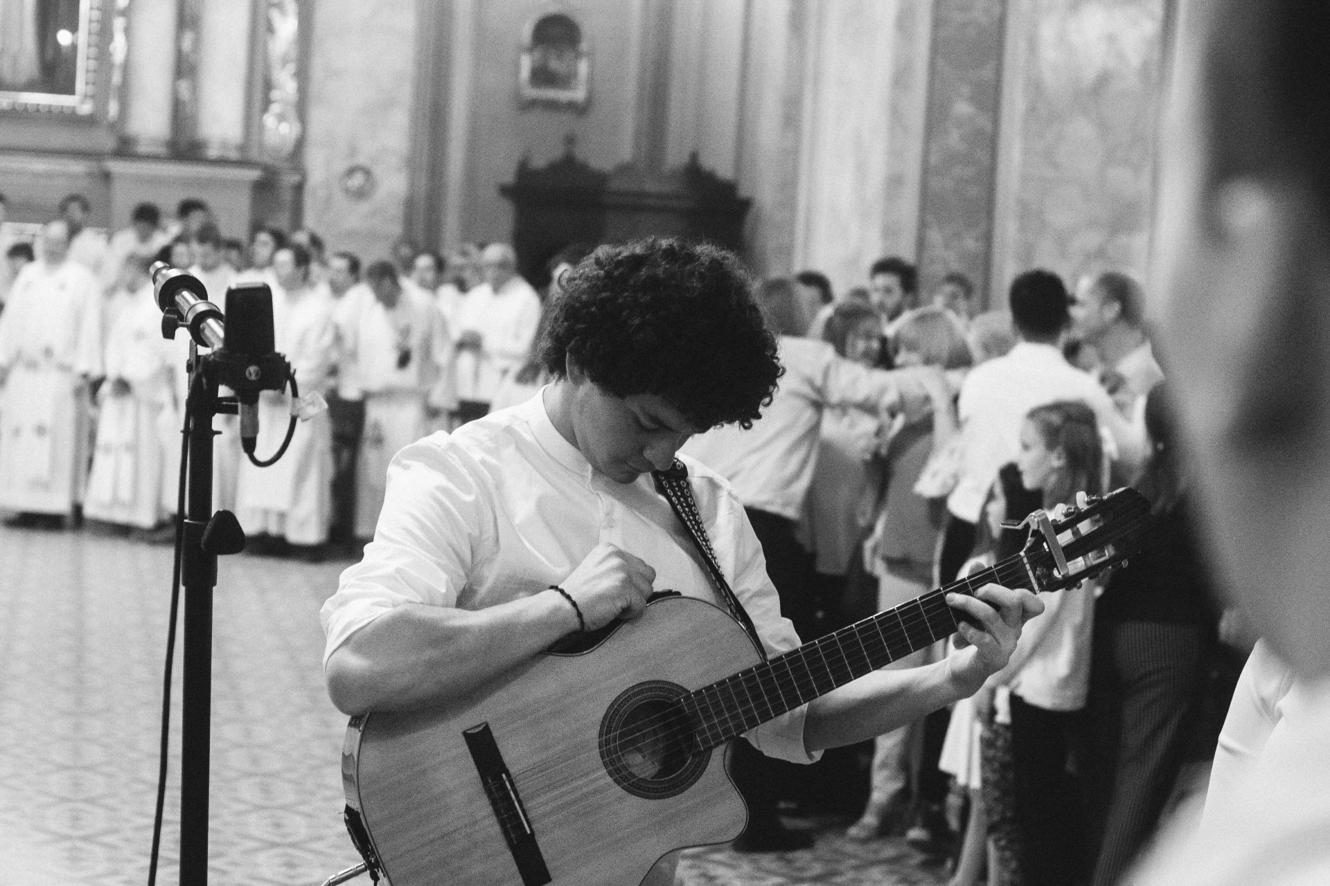 guitar, praise, to worship, vocation, worship, praise, guitar, i sing, choir, choir, meeting, singer, women, don, black and white, musician, music, musical instrument, to sing, plan, talent, song, percussion, coral