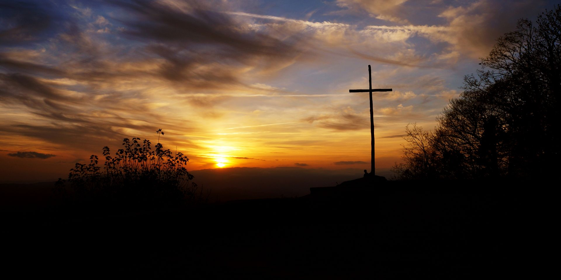 La cruz y el atardecer by Fray Foto (@frayfoto) | Cathopic