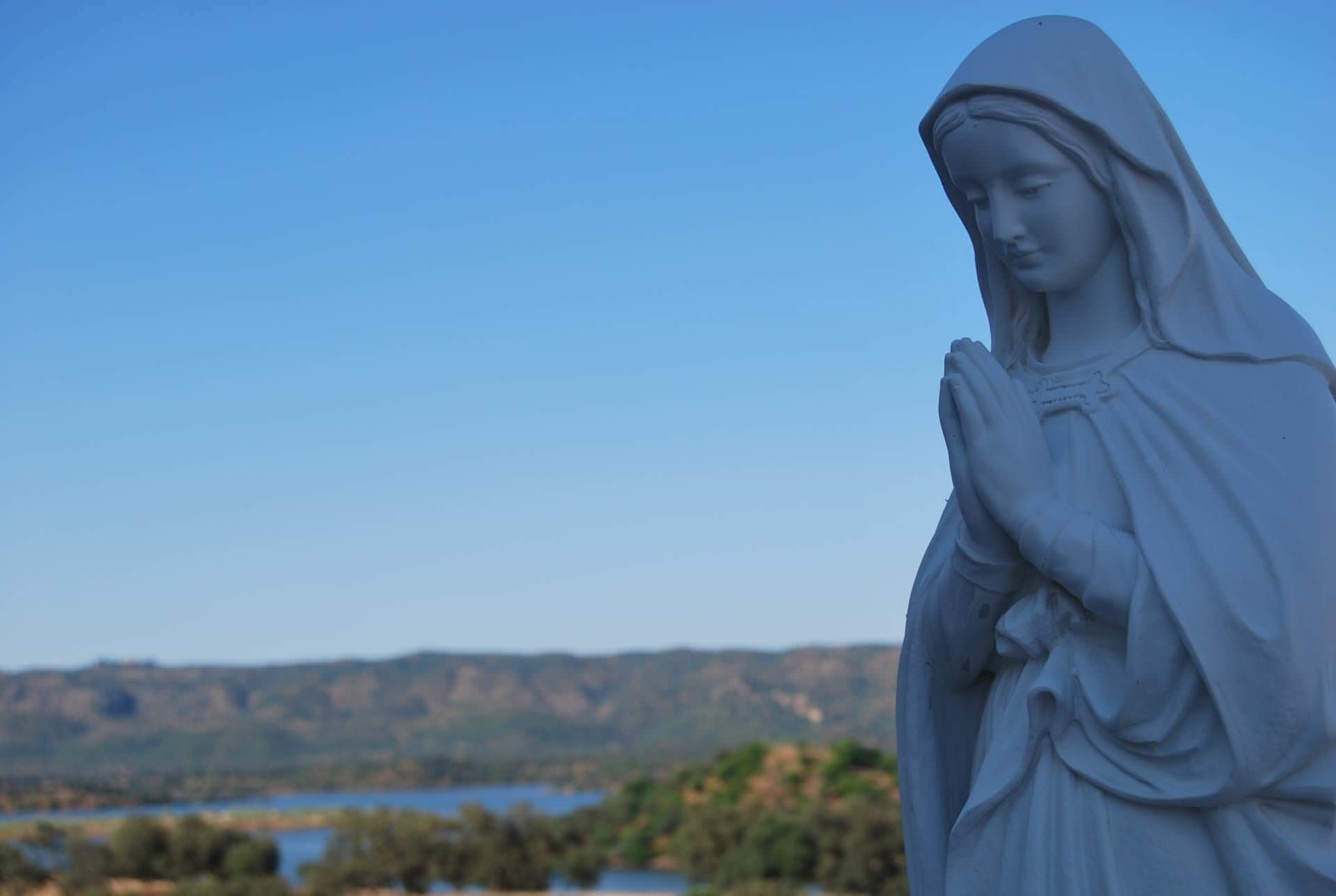 virgin, maria, sea, mother, mother of god, landscape, nature, flora, sky, blue sky, firmament, sun, sunny day, statue, sculpture, white, timetable, sentence, to pray, mary praying