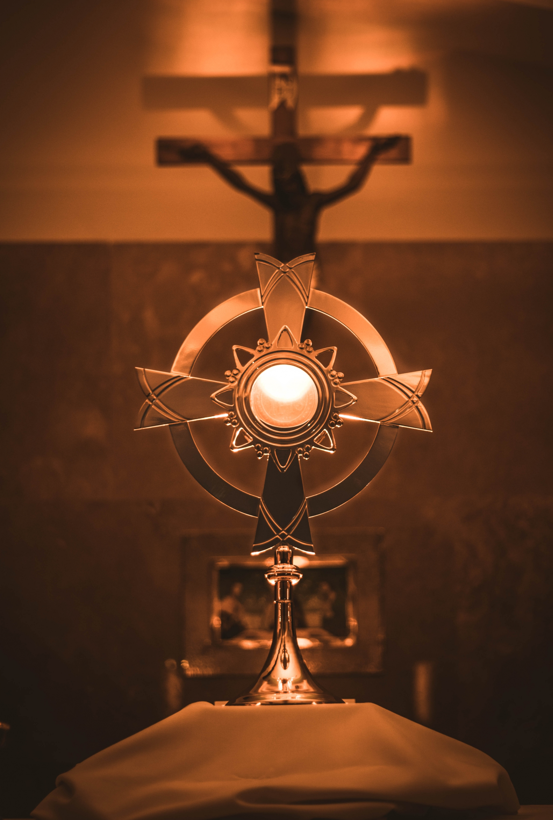eucharist, silence, christ, chapel, worship