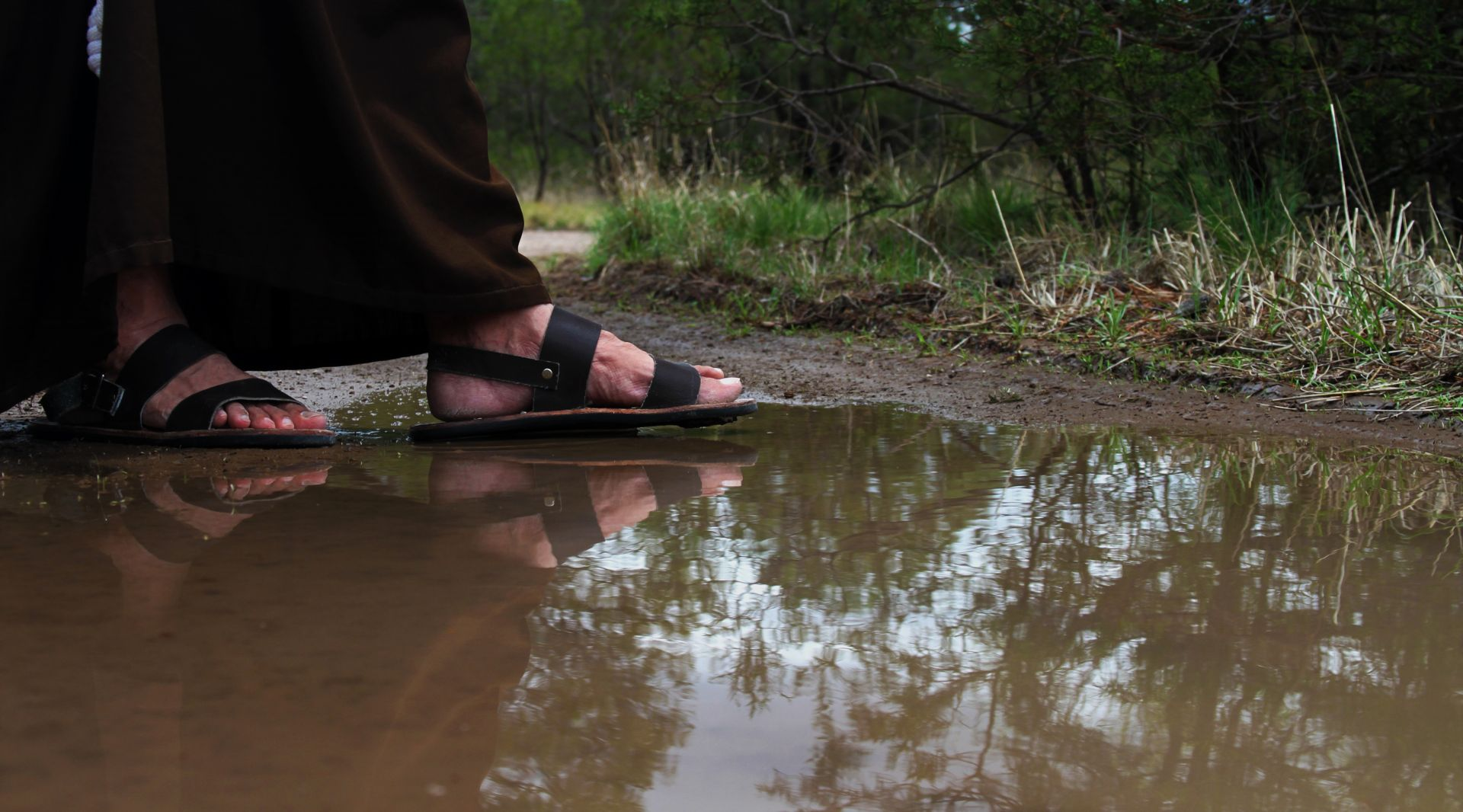water, feet, reflection, vocation, steps, fray, religious, friar, huaraches, flips flops