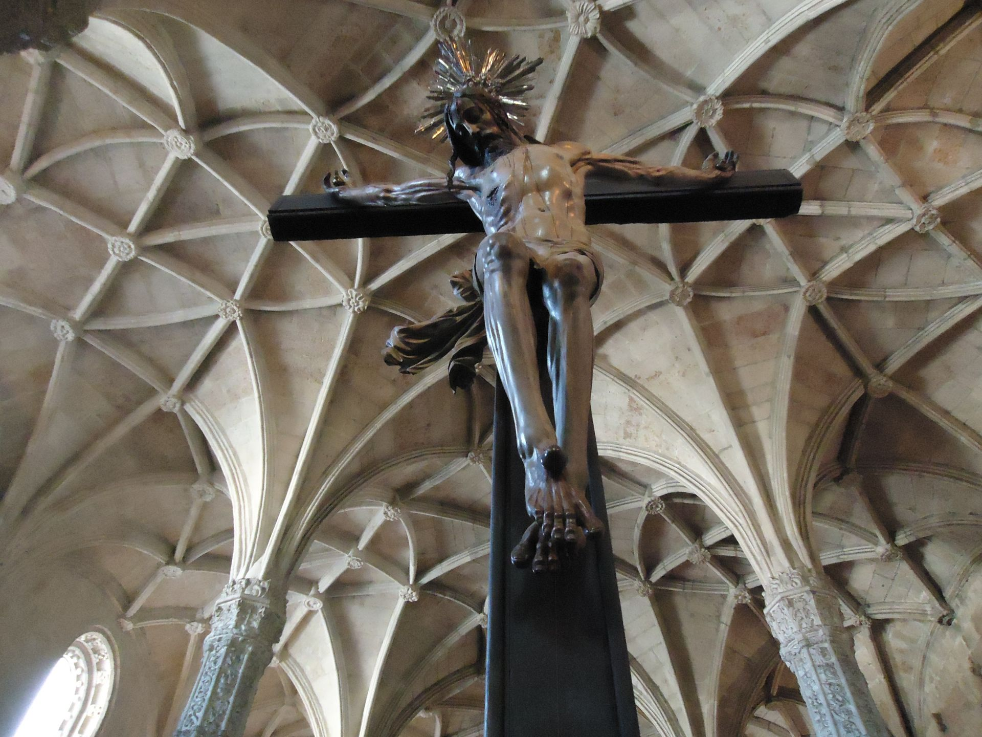 cross, christ, dome, jesus, sculpture, belen, the ceiling, jesus christ, monastery, crucified, boveda, jeronimos, lisbon,  crucifijo,  salvacion,  redencion,  muerte,  viernes santo,  crucifixion, holy week