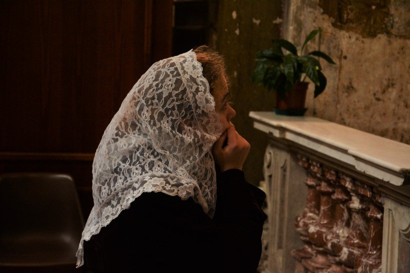 Girl with veil in Santo Spirito in Sassia, Roma