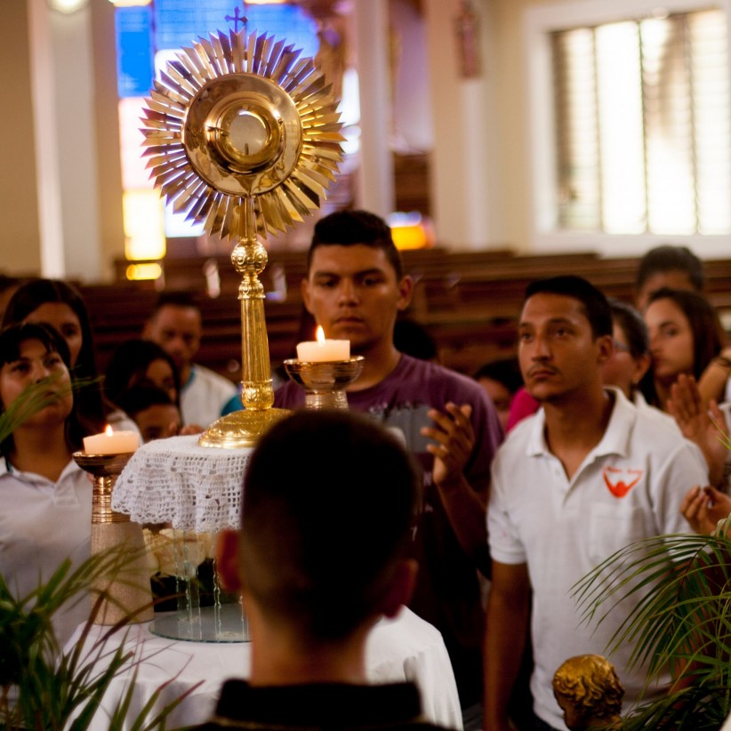 santisimo, eucharist, jesus, young boys, to worship, worship, youth