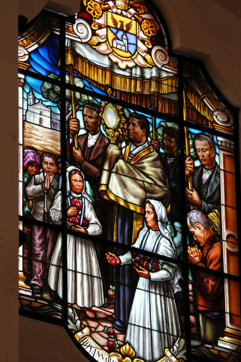 eucharist, window, father, stained glass, community, miracle of love, representation