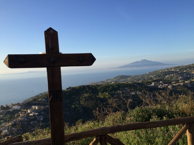 cruz,cross,sea,ocean,oceano,vesuvio,vista,paisaje,espectacular,azul,cielo,senal,esperanza,hope,faith,crucis,mountain