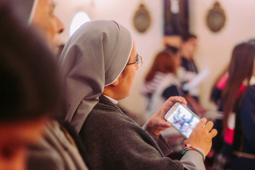 mother, nun, photo, photography, cell phone, camera