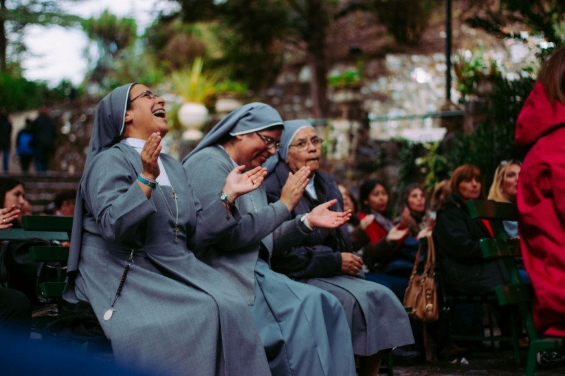 nun, religious, consecrated, happiness, coexistence, laughter, vocation, joy