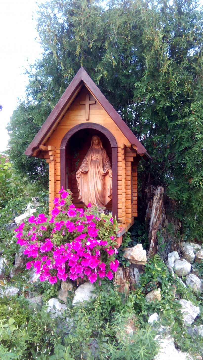 virgin, maria,  altar, mother, poland, flowers, mother of god, capillita