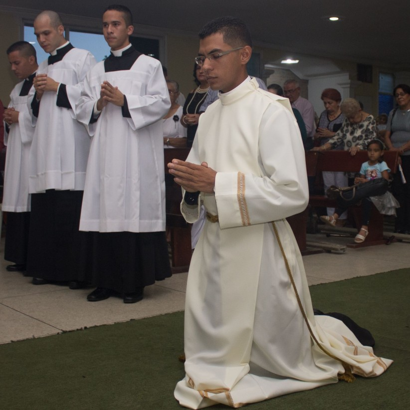 vocation, seminarian, acolito, training