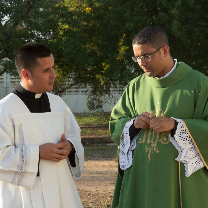 priest, vocation, dialogue, discernment, seminarita