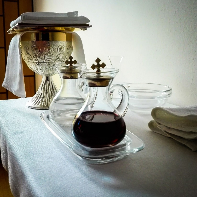 eucharist, water, chalice, wine, mass, offerings, vinajeras, liturgy