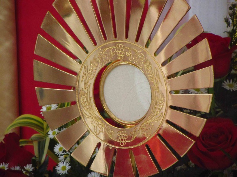 santisimo, eucharist, sacramento, worship, body of christ, custody, to worship, pan