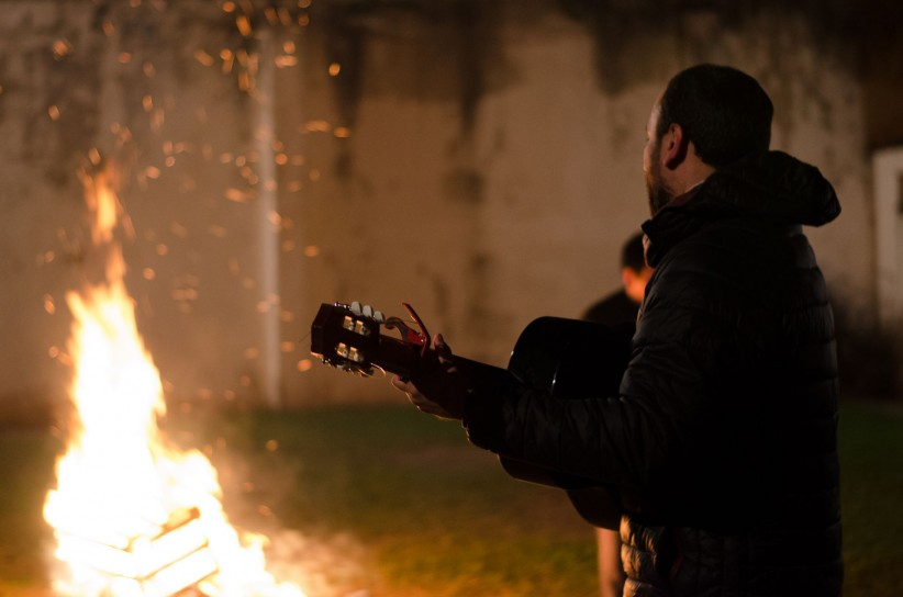 light, night, guitar, priest, fire, i sing, joy, praise