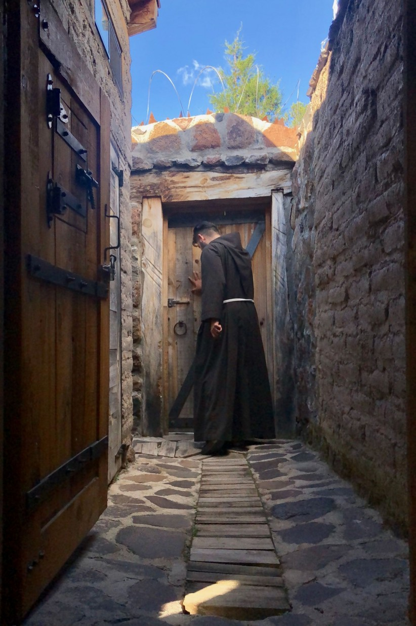 love, path, young boys, peace, door, fe, franciscan, frayfoto