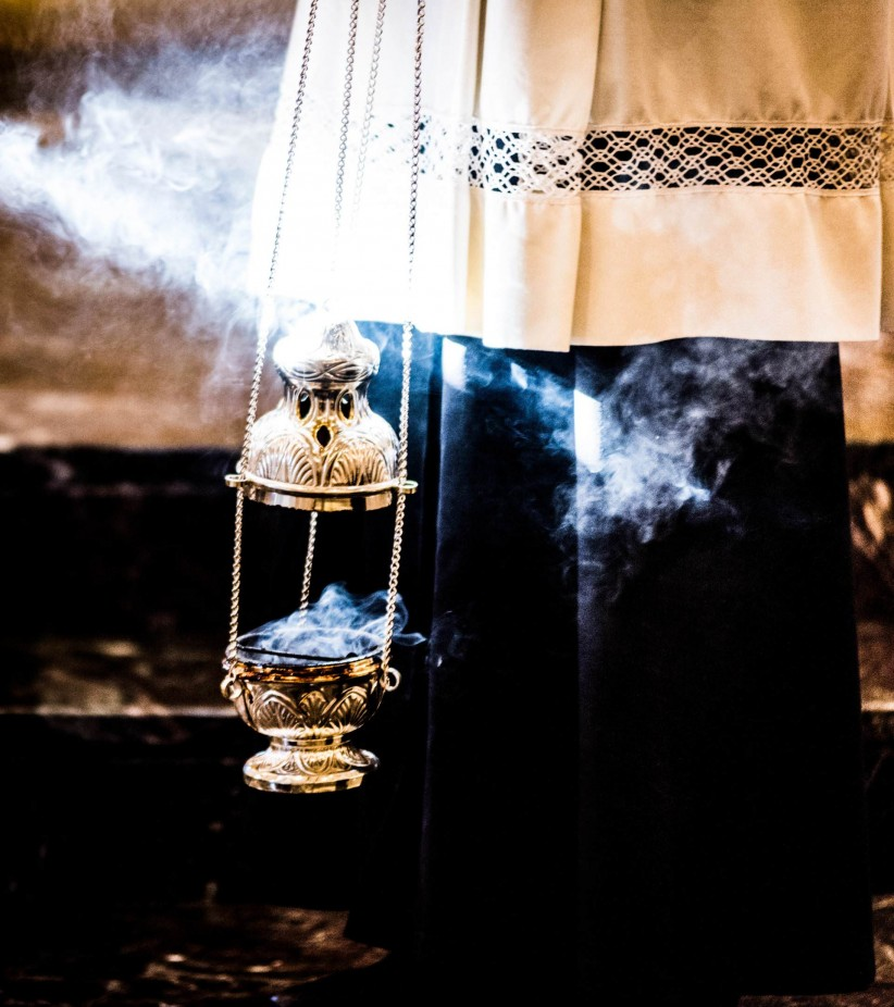 sentence, mass, incense, prayer,  pray,  mass