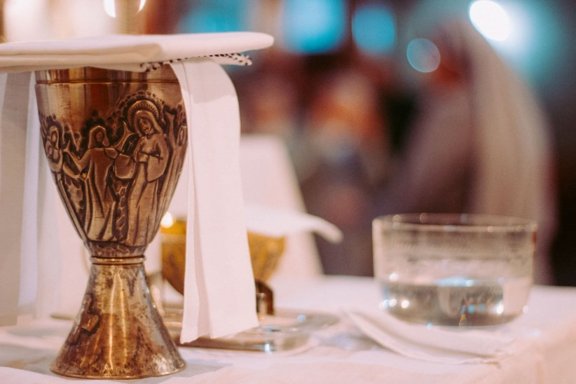church, chalice, consecration, wine, temple, mass, chapel, pan