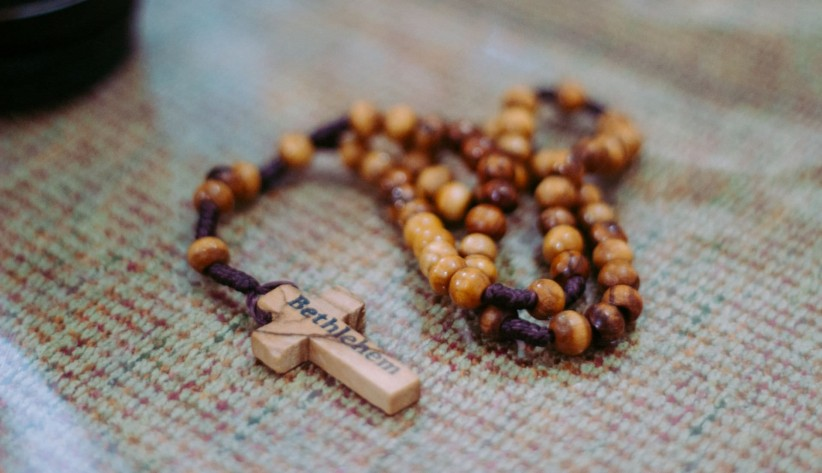 rosary beads, timetable, to pray, sentence, belen,  santa, land